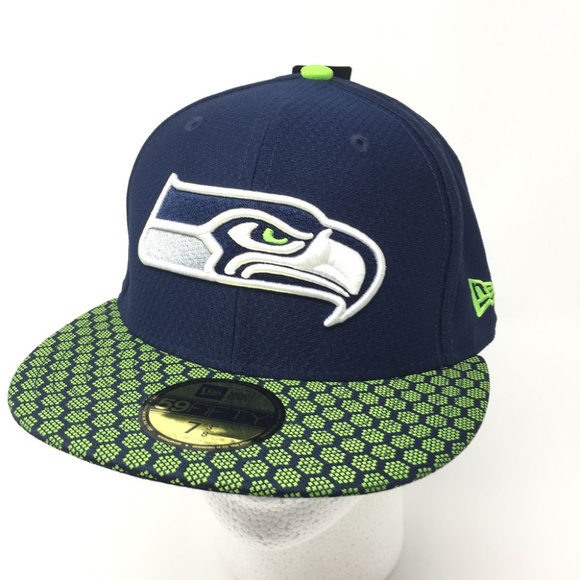 new concept 9e1f6 0dc38 Seattle Seahawks Sideline Onfield Fitted Hat. NWT. New Era